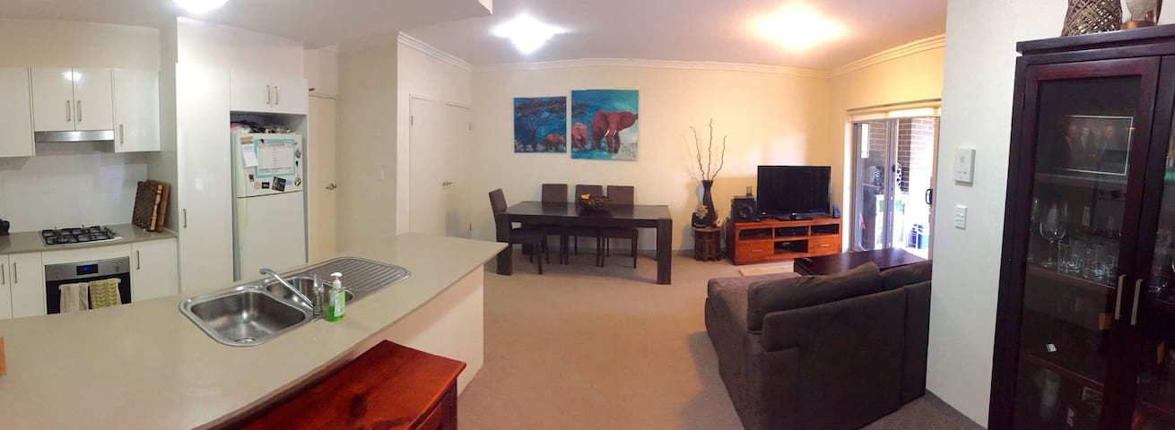 Spacious Garden Apartment - Brookvale