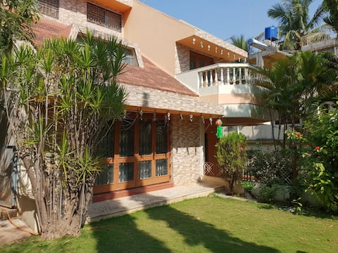 Sai Villa (spacious 3bhk luxury villa with Garden)