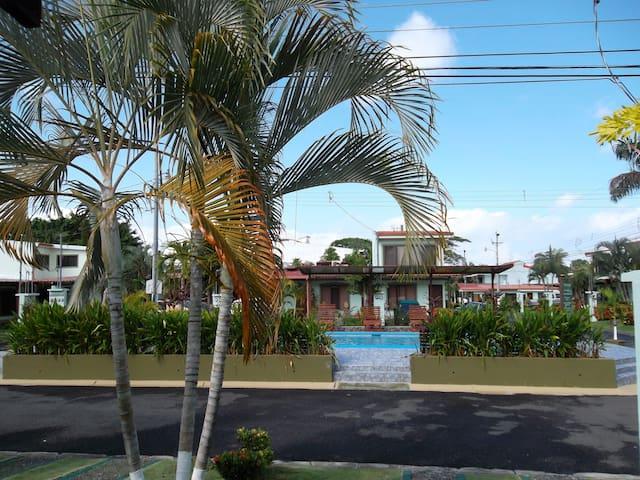 Jaco Beach Condo, 150M to the beach - Jaco - Appartement