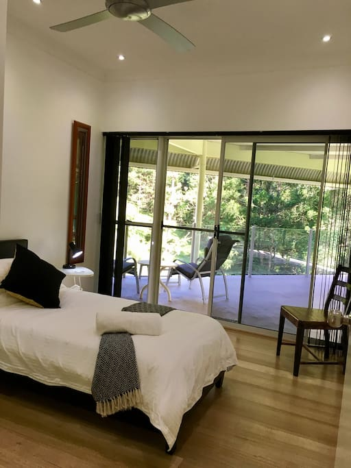 PRIVATE SINGLE ROOM IN THE MAIN SHARE HOUSE
