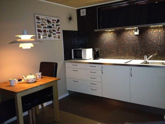 Cosy studio in Gothenburg area - Partille - House