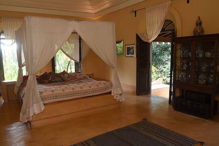 Beautiful Garden View Suite in Panchavatti Villa - Aldona - Butikhotel