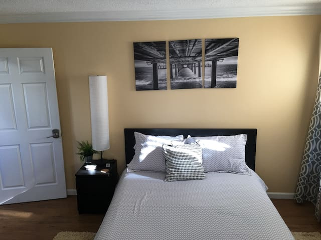 Spacious Bedroom in a Large 5 BR House