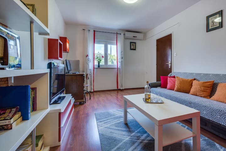 One bedroom apartment near the sea