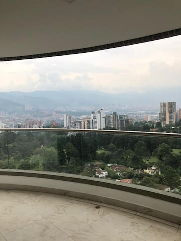 THERE ISN'T BETTER PLACE IN MEDELLIN