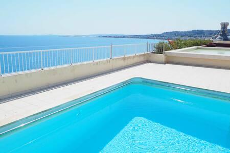 Studio terrasse 3eme piscine Promenade des Anglais