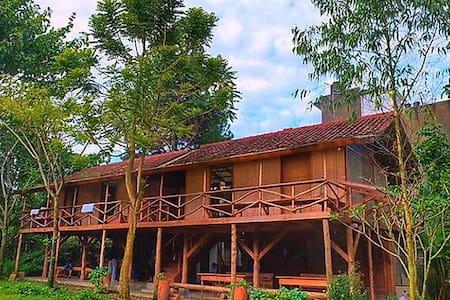Rumah Panggung Ronia Lembang - Lembang - Mökki