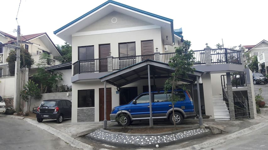 Diaz Residence and Guesthouse