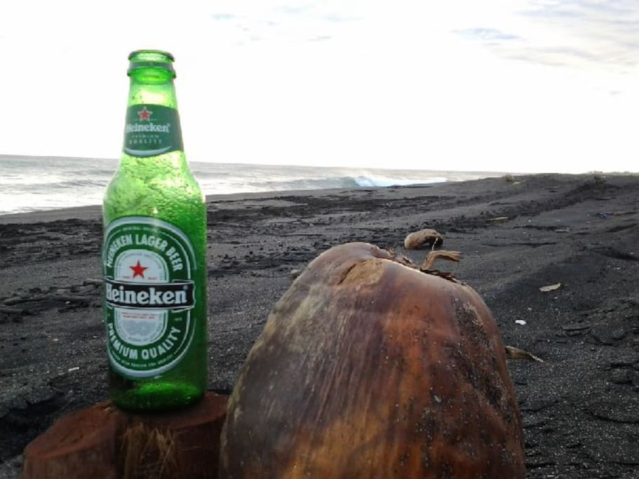 Listen to the waves, have a drink
