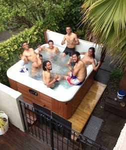 MAISON D'HOTES with Pools, AUCKLAND - Auckland - Annat