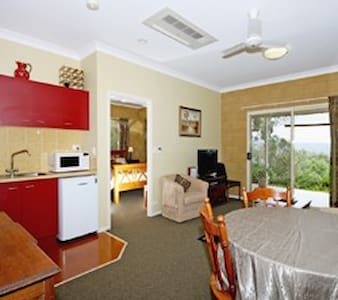 Spacious Suite near Canungra - Canungra - Bed & Breakfast