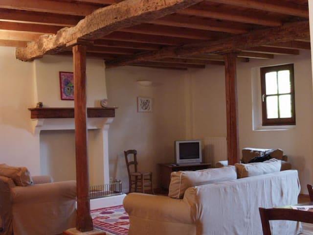 1er etage - maison de caractere - Les Pujols - Huis