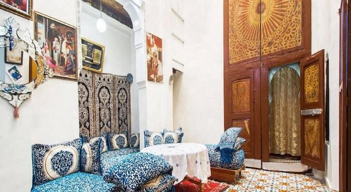 Riad Samnoun sunny house in heart of Fez El Bali