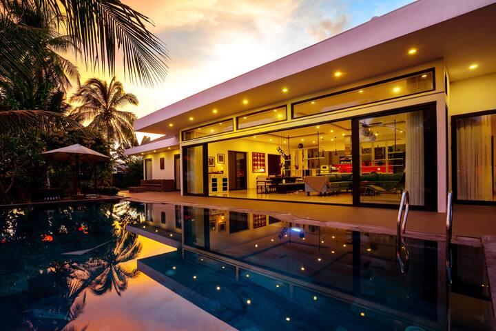Private Infinity Pool Villa 3BR