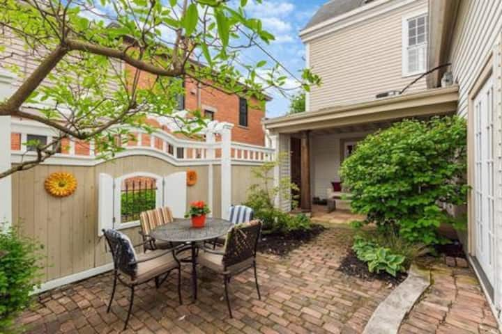 Luxurious German Village home with rooftop deck!