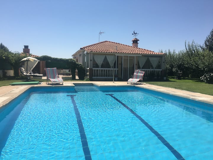 Aranbea Casa de campo acogedora con piscina
