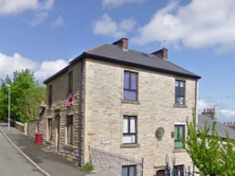 Bed House To Rent In Darwen