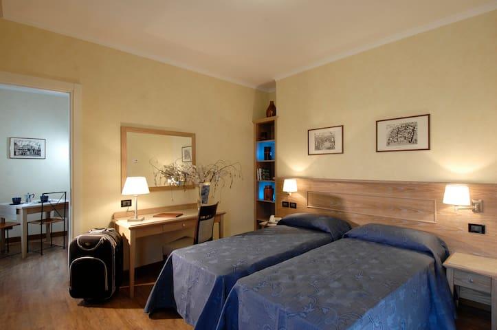 Apartment in hotel in a green area - Frascati - Apartament