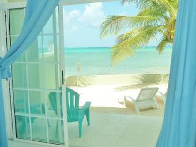 "Exuma ""Paradise at your Fingertips - Nassau - Huoneisto"