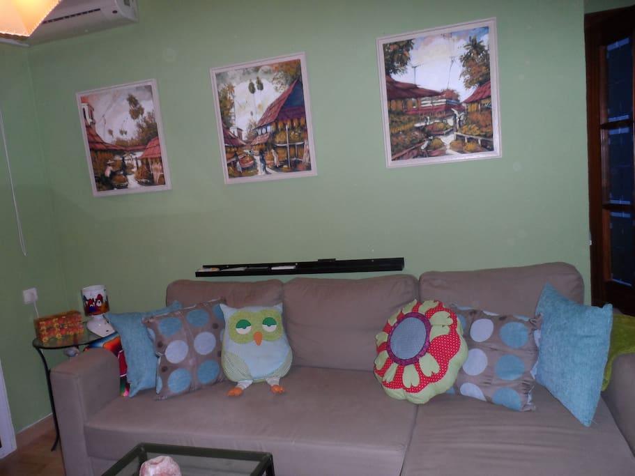 salon, este es el sofá cama que se puede utilizar además de la habitación