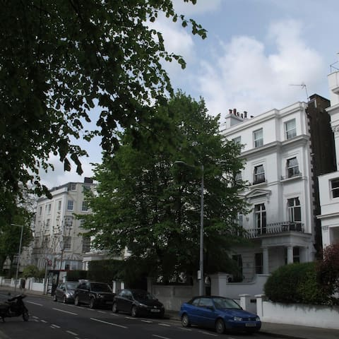 Notting Hill* Mr & Mrs Smith Style - Apartments for Rent in London ...