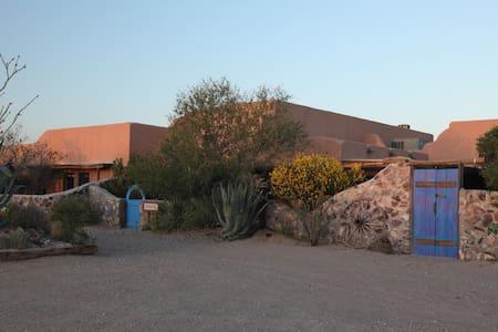 Casa de Suenos nr El Paso- Pajarito - Anthony - Bed & Breakfast
