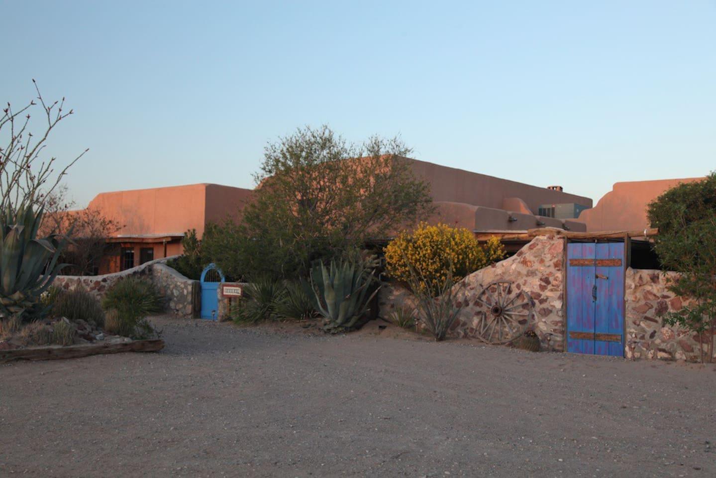 Casa de Suenos nr El Paso- Pajarito