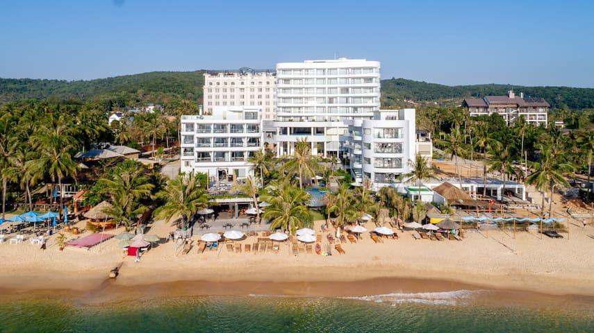 Sunset Beach Resort & Spa Phu Quoc