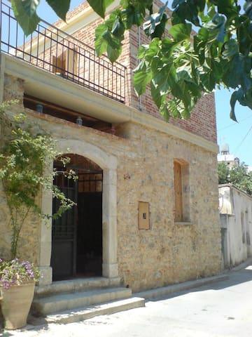 The Midwife's House - Iraklio - Casa de férias