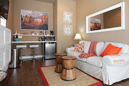 Private Entry, Bedroom & Living Rm - Chula Vista