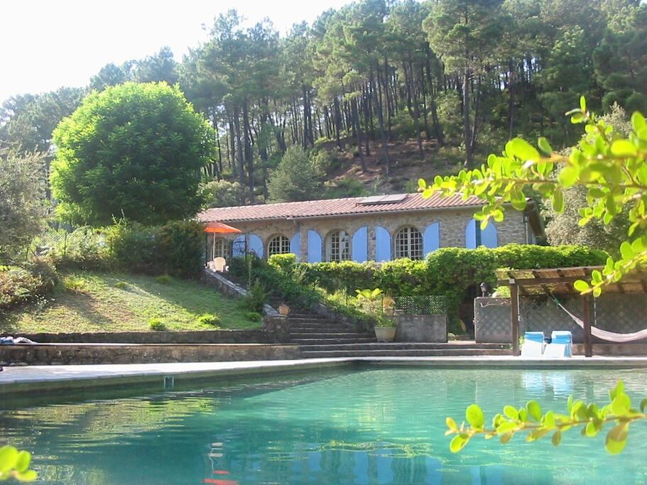 villa piscine sud de la france villas louer saint jean du gard languedoc roussillon france. Black Bedroom Furniture Sets. Home Design Ideas