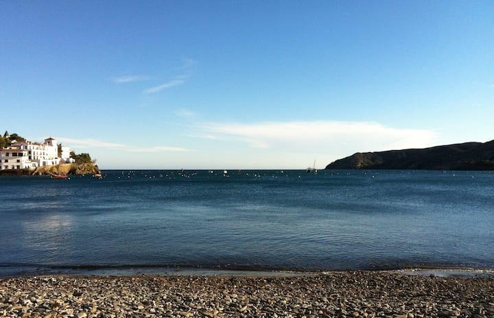 Triplex en Cadaques.Vistas al mar.