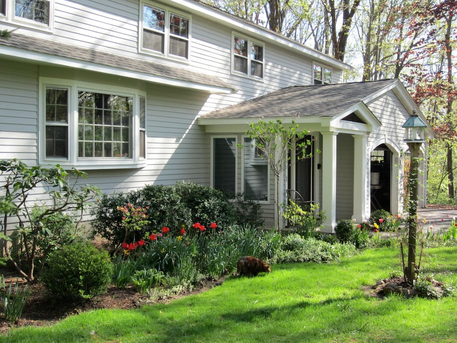 simsbury dating site Brighton lane home sells for $729,000 recent simsbury real estate sales include 47 clifdon drive,  victim met alleged killer on dating site nj boy, 9,.