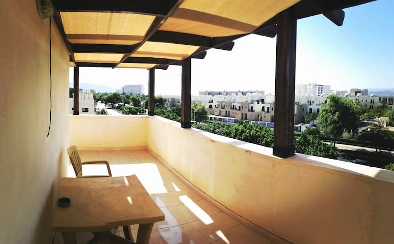 Aqaba Roof top studio apartment. Great location.