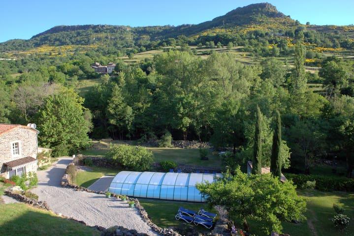 Gîte 1, piscine couverte & chauffée - Rochessauve - Leilighet