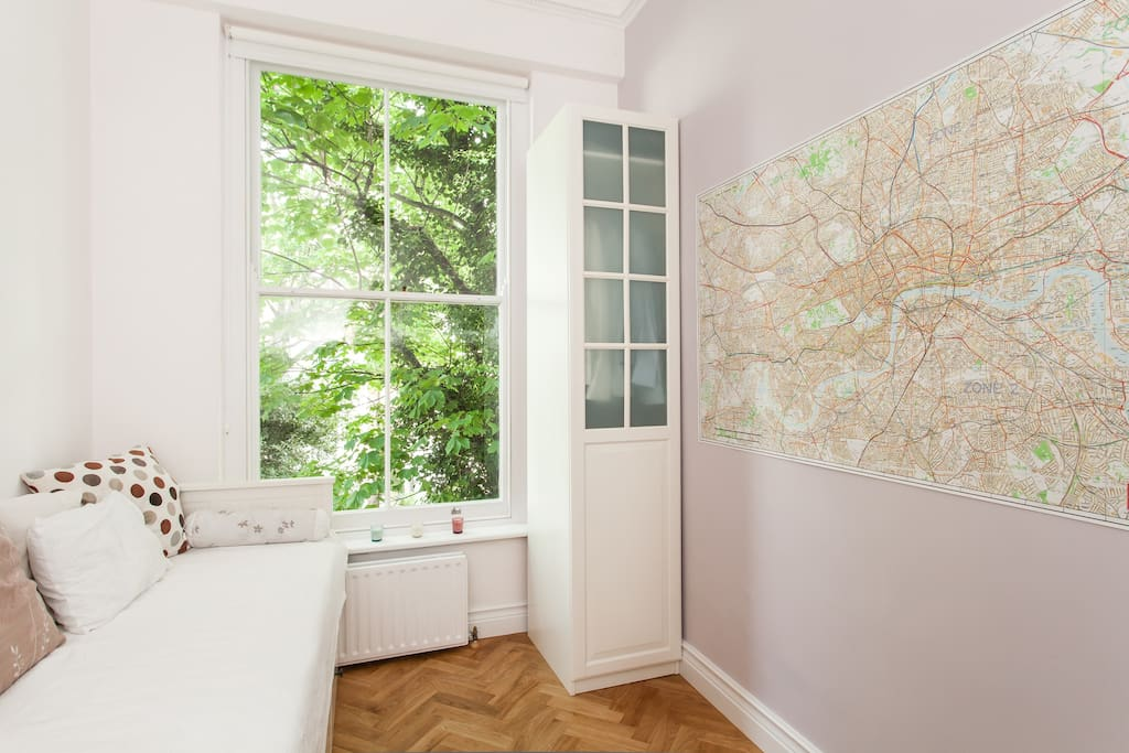 Room has a big map of London
