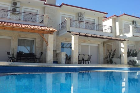 Modern villa 5 bedrooms with a swimming pool - Chalkidiki - Villa