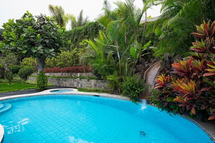 RELAX IN LIMA(URL HIDDEN)SUNNY AREA - Lima - Rumah