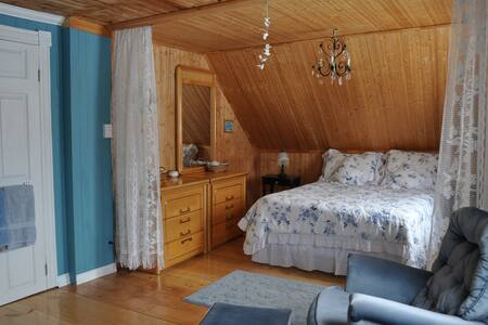 Gîte Petit B&B - chambre Bleue - Sacre-Coeur Saguenay