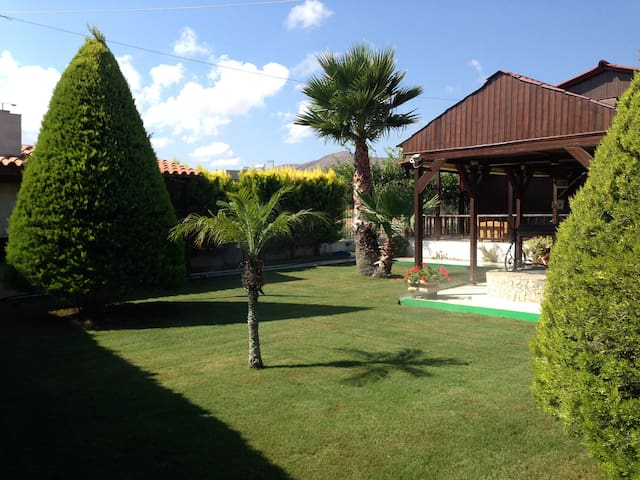 Nice House about 200m from  Sea! - Gournes - House