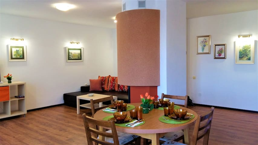 ArtGallery Apartment near to Kazanlak city center