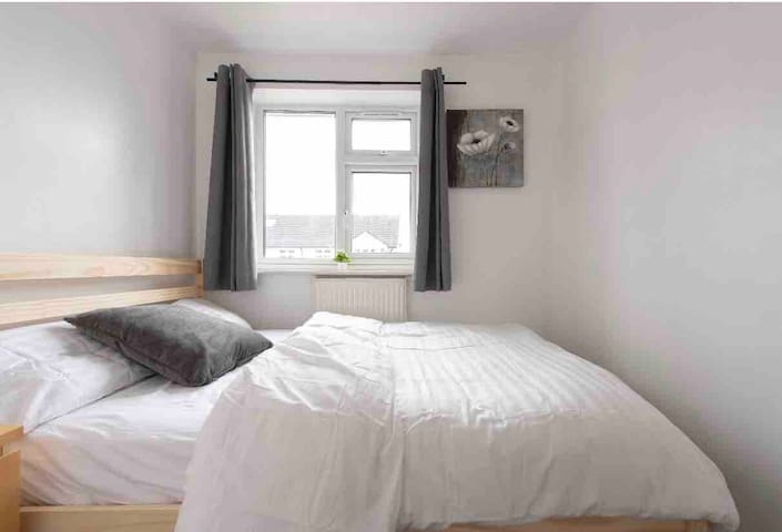 Beautiful cosy small double bedroom with doublebed