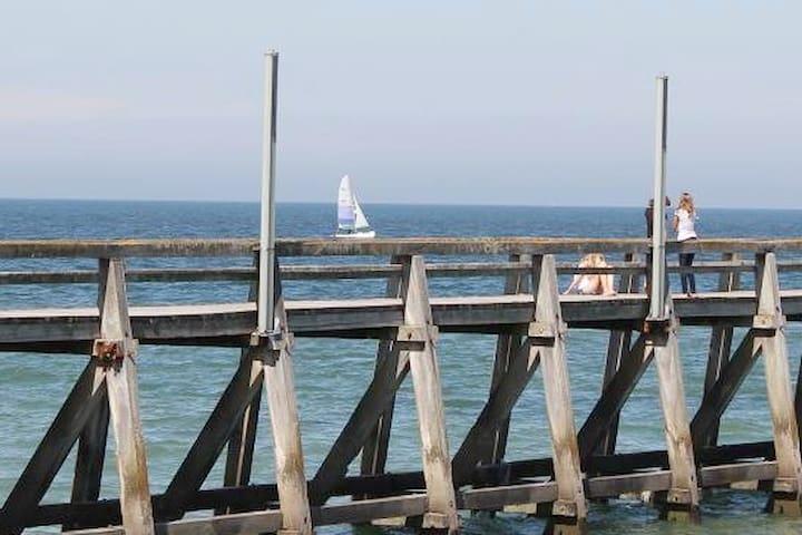 Grand studio rénové en bord de mer à Luc s/Mer
