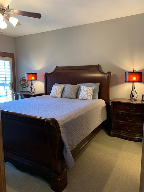 Luxurious 3 bedroom condo on East Lake Okoboji