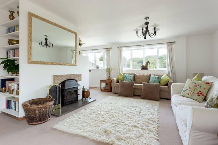 Cosy cottage with logburner in Purbeck countryside