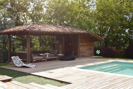 villa de charme sur coteaux vue bordeaux - Quinsac - Villa