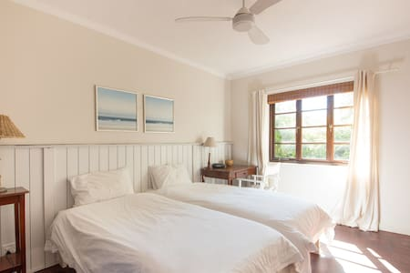 Charming Atlantic Seaboard cottage - เคปทาวน์