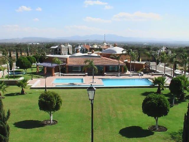 Residencia increible en Peña de Bernal,  Queretaro - Bernal - Casa
