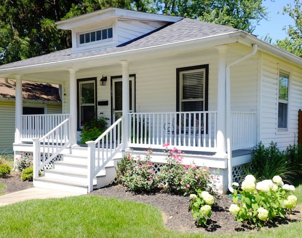 ☆Midtown Bungalow☆ -weekly/monthly stays available