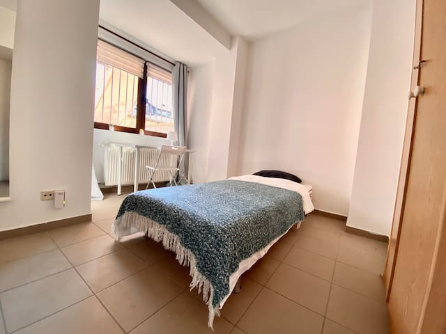Single BR in Big Shared House with Kitchen, Terrace, close to Lux Gare Centrale
